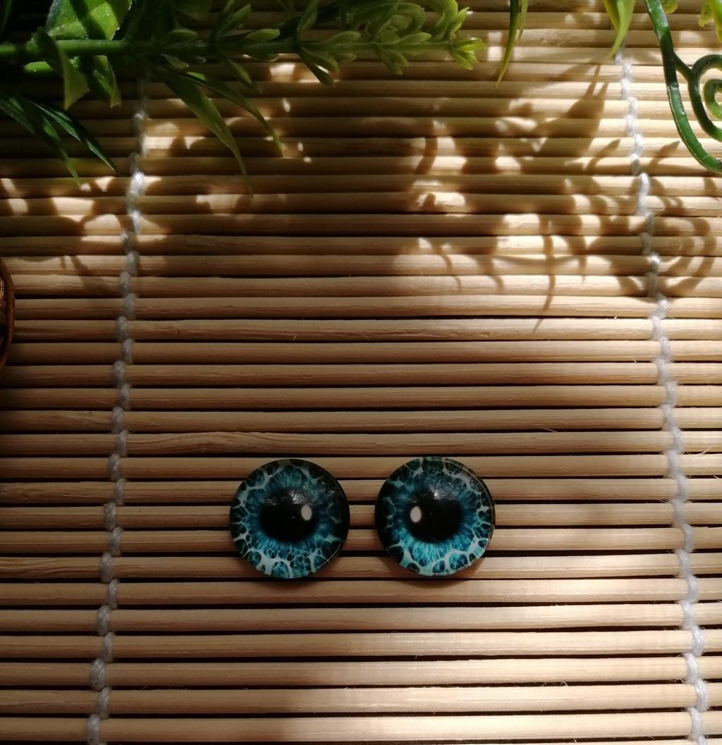Глазки 14 мм голубые с белым