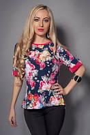 Легкая женская блуза с ярким цветочным принтом модного кроя