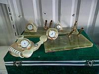 Офисные часы из камня-оникса