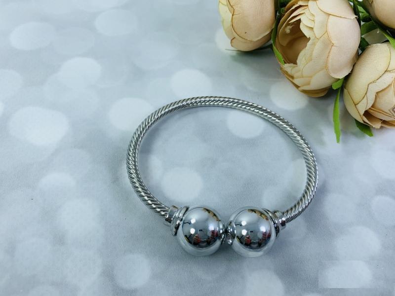 Браслет металл в серебре