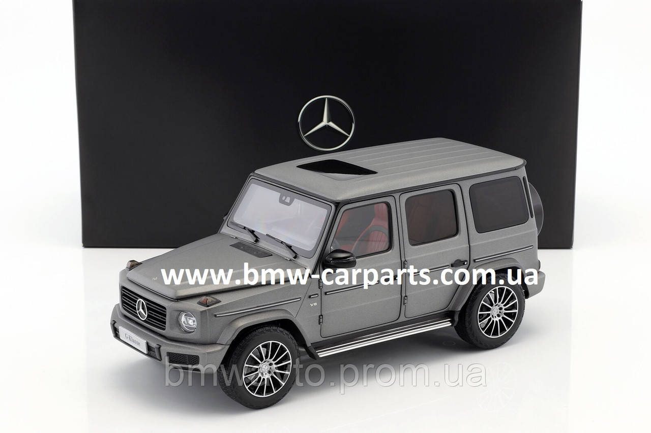Модель Mercedes-Benz G-Class (W463 series), Designo Platinum Magno, Scale 1:18