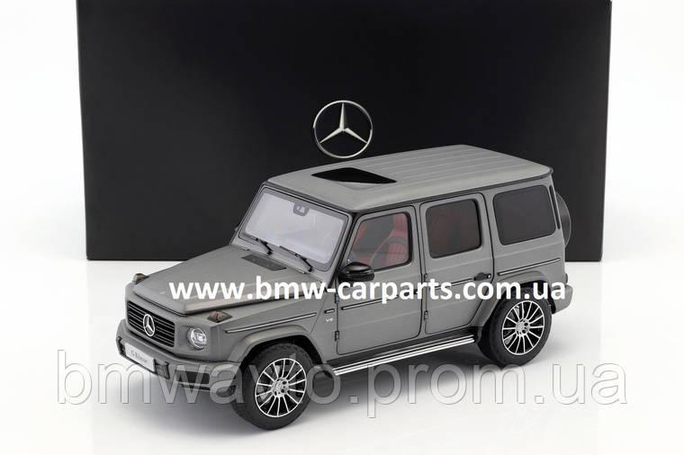Модель Mercedes-Benz G-Class (W463 series), Designo Platinum Magno, Scale 1:18, фото 2