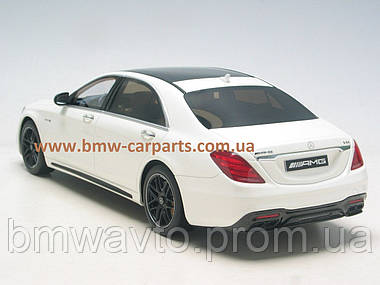 Модель Mercedes-AMG S 63 long-wheelbase, Designo Diamond White Bright, 1:18 Scale, фото 3