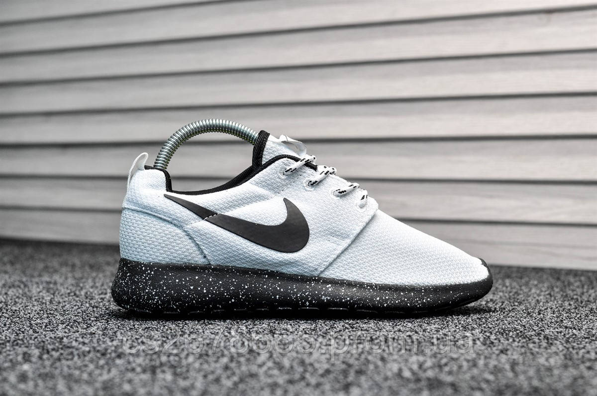 Женские кроссовки Nike Roshe Run White Black 8021