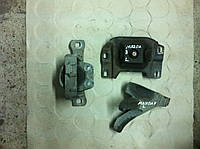Подушка двигателя 1.6 и 2.0 Mazda 3 sedan, фото 1