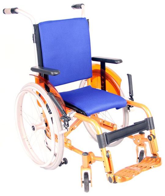 Дитячі та підліткові інвалідні коляски