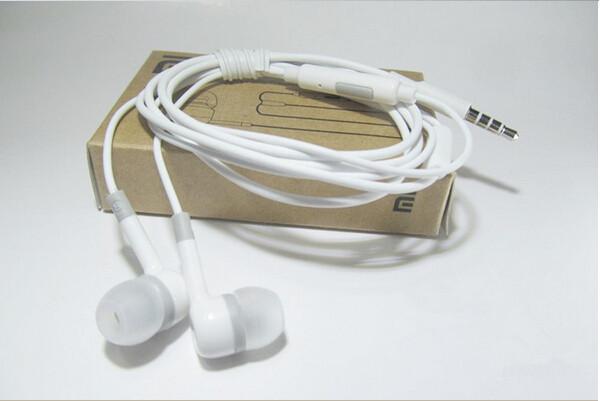 Наушники Xiaomi с микрофоном в коробке (Реплика)