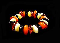 Браслет из янтарной смолы разноцветный, фото 1