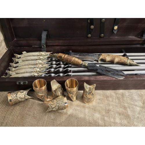 Царский улов  Эксклюзивный набор для шашлыка.Шампура+рюмки+нож+вилка