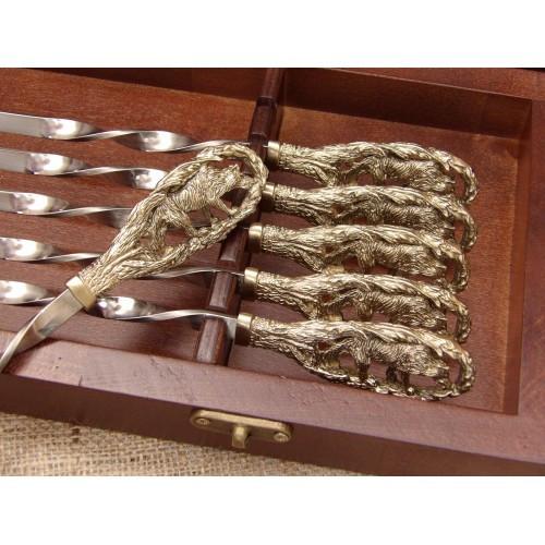 Комплект шампуров Волчья стая в кейсе из натурального дерева
