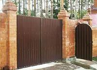 """Въездные деревянные ворота с калиткой """"Классик"""" из термодерева"""