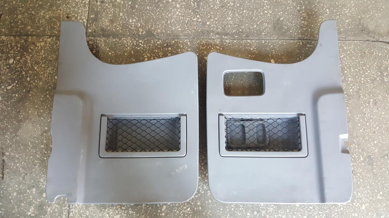 Обшивка задних дверей Mercedes Sprinter W906