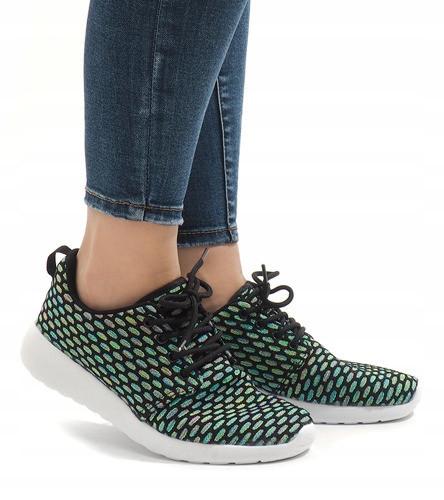 Женские кроссовки Marlen
