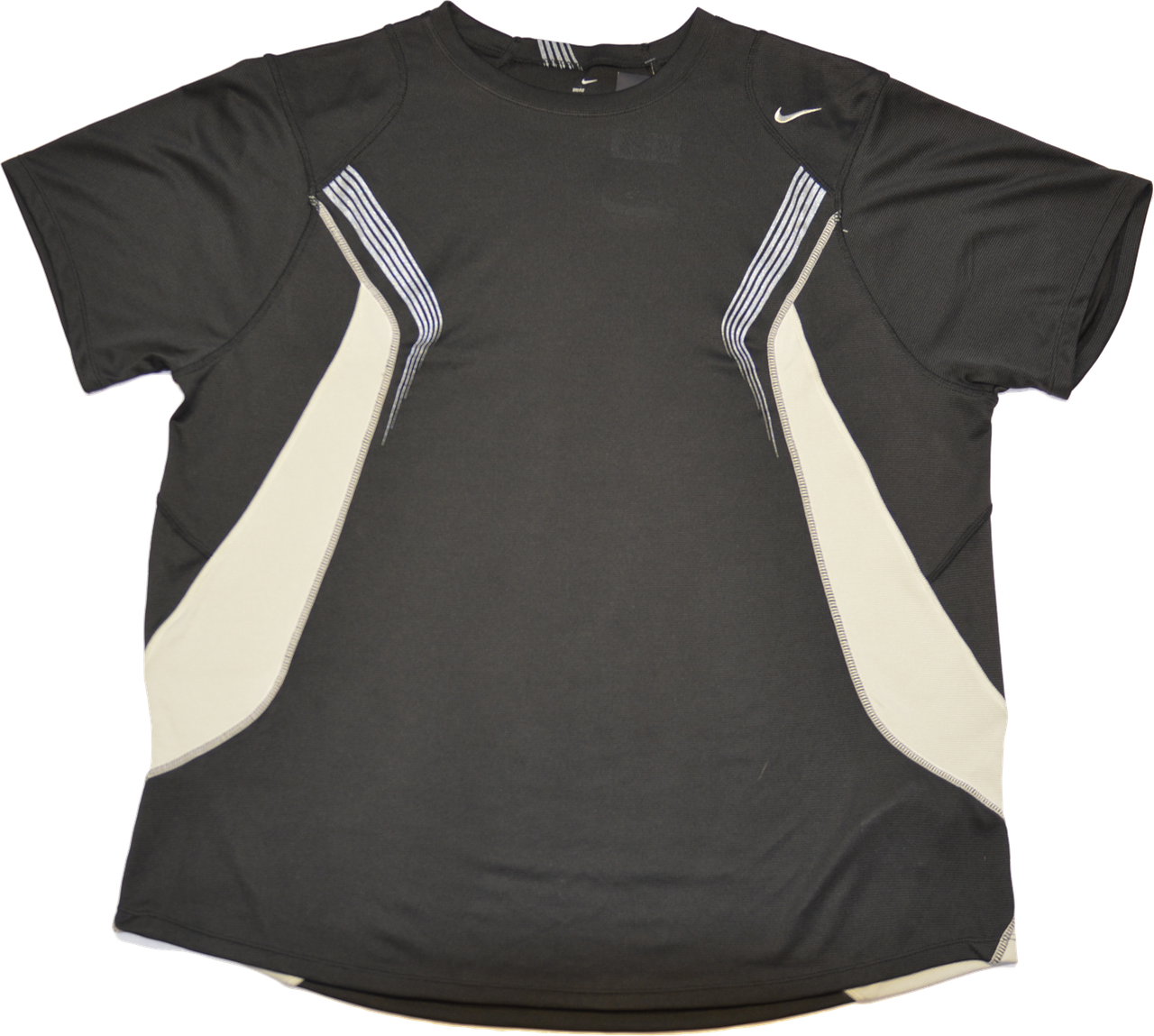 Мужская спортивная футболка Nike.