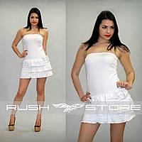 Модное летнее платье без бретелей с рюшами
