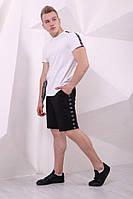 Шорты Adidas чёрные с чёрно-белыми лампасами, фото 1