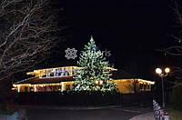 Новогоднее оформление фасада, разработка дизайн проекта, монтаж, украшение территории, елки, беседки, деревьев