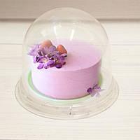 Пластиковая коробка для одного десерта.