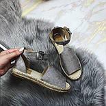 😜 Женские серые босоножки на низком ходу, фото 3