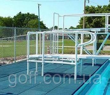 Резиновое покрытие вокруг бассейнов