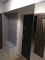 Шкаф с прихожей и тумбой над входной дверью, фото 1