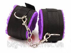 Фиксатор для ног БДСМ  Черный с фиолетовым