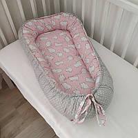 Кокон для новорожденных двухсторонний коты белые на розовом и горох