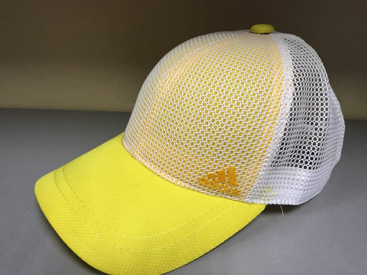 Детская бейсболка с сеткой с регулятором размера козырек желтый