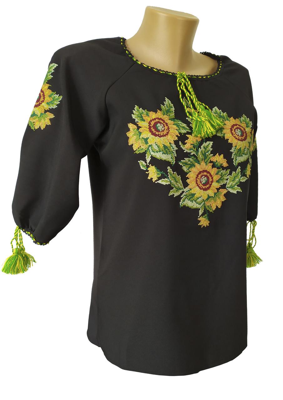 Черная женская вышитая рубашка цветами в больших размерах