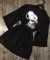 Черный  халат с аппликацией из пайеток.