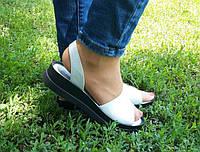 Женские кожаные босоножки белые, фото 1