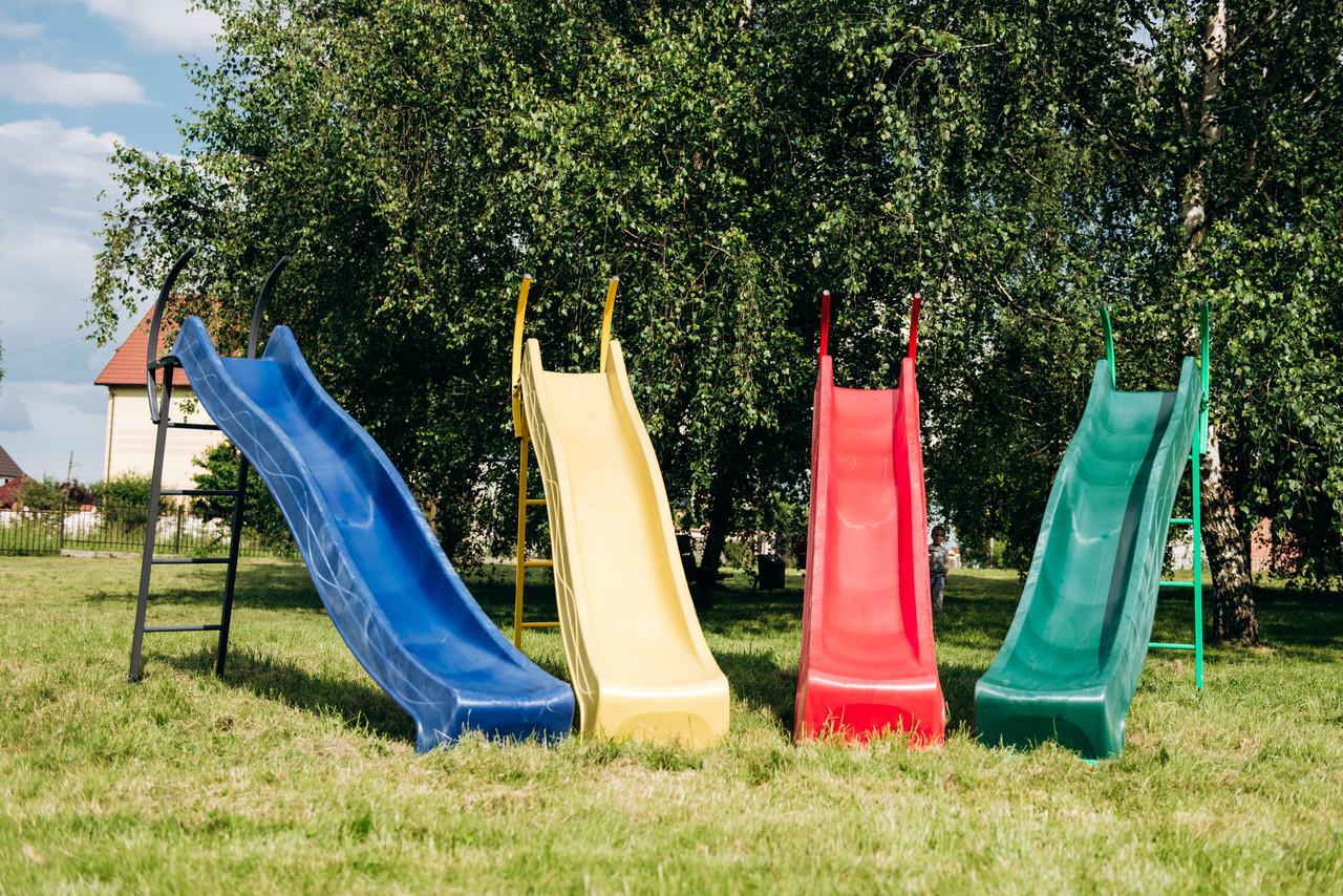 Детская горка 2,2м с металлической лестницей высота 1,2 м (разные цвета)