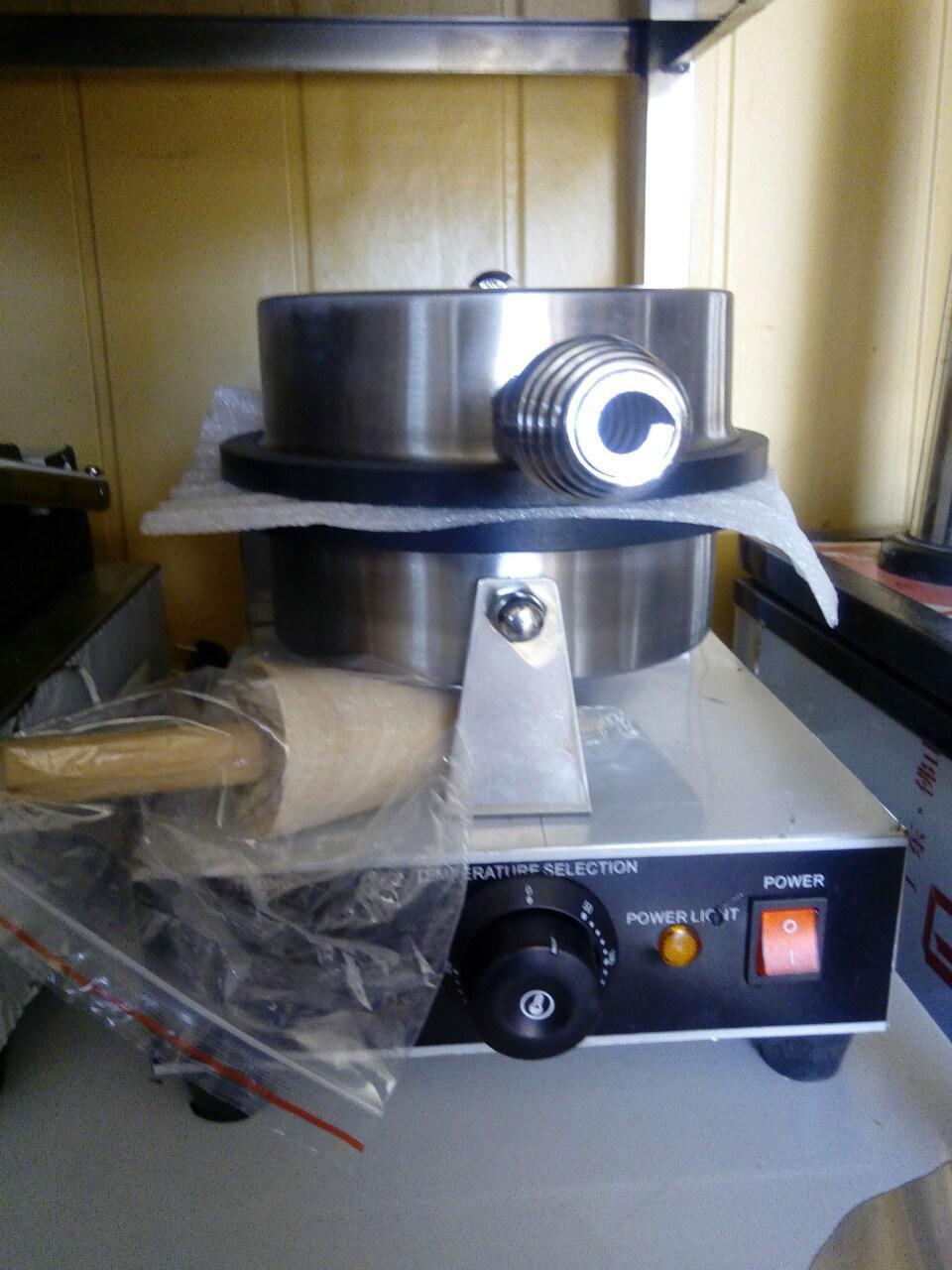 Однопостовая вафельница VEKTOR ZU-1 (мелкая сетка) с конусом