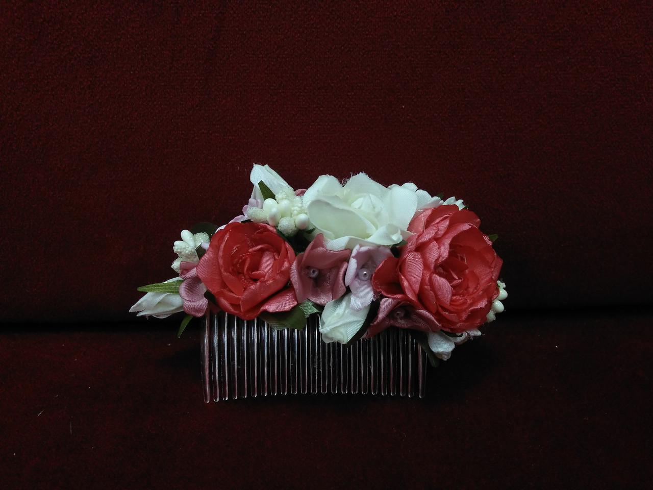 Гребешок для волос с цветами коралловый с айвори и розовым