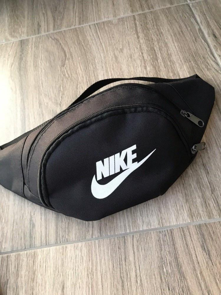 Поясная сумка черная Nike