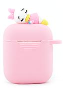 Чехол NZY для наушников Apple AirPods 3D Герои Дисней + карабин Дейзи Дак Розовый / Белый (123167)