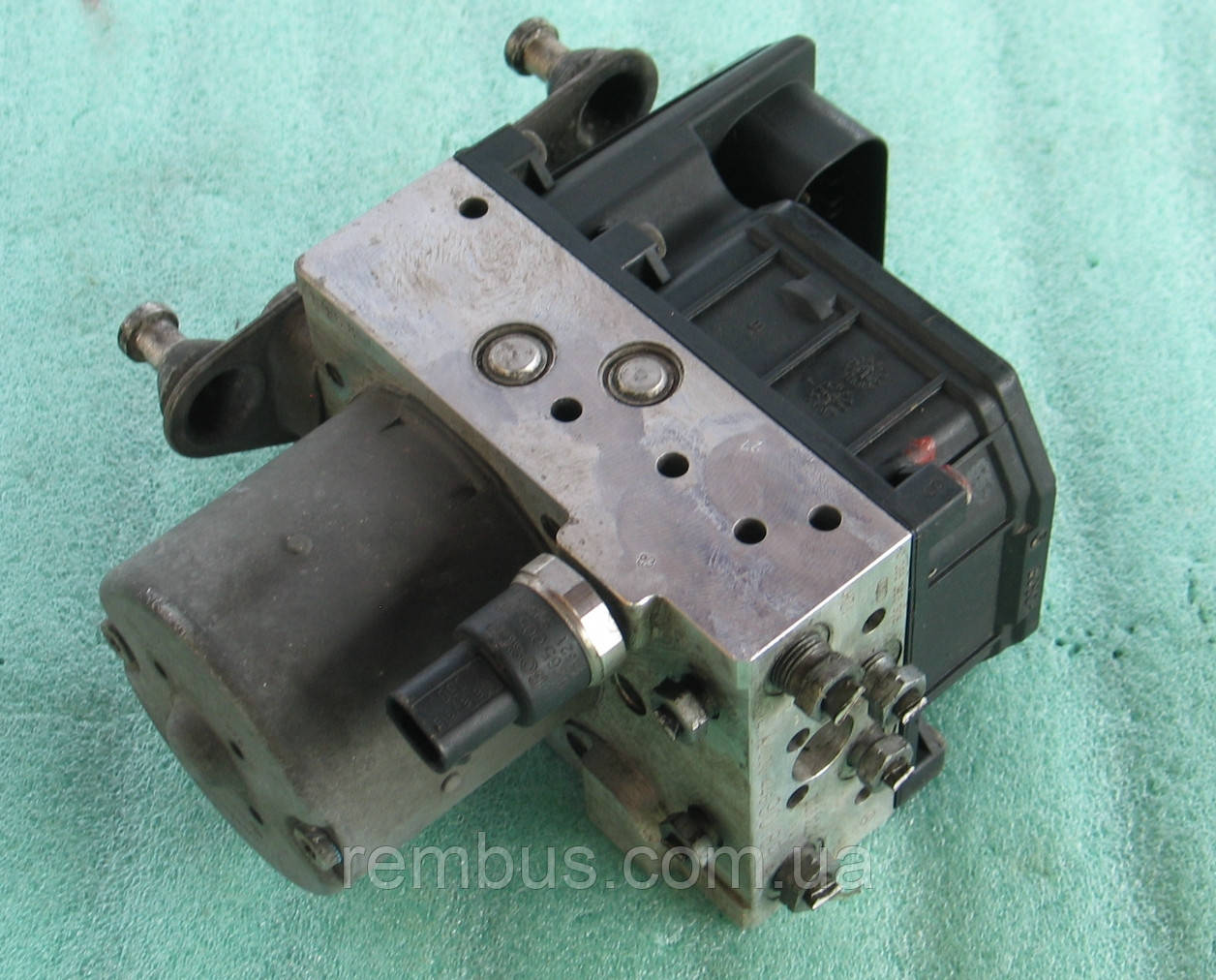 Блок ABS (насос) MB Vito W639 2.2CDI (BOSCH 0265225305)