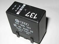 Блок (реле/модуль) управления топливного насоса  VW Transpoter T4 (1990-2003), Б/У, 701906123