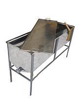 Стіл для роздрукування стільників 1.5 м (з плоскою кошиком)