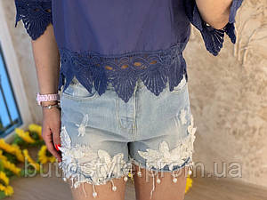 Модные женские джинсовые шорты с высокой посадкой и аппликацией