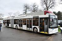 Новый низкопольный троллейбус МАЗ-215Т-00