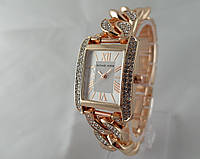 Часы женские Michael Kors плетеный браслет, прямоугольные, цвет золото 585