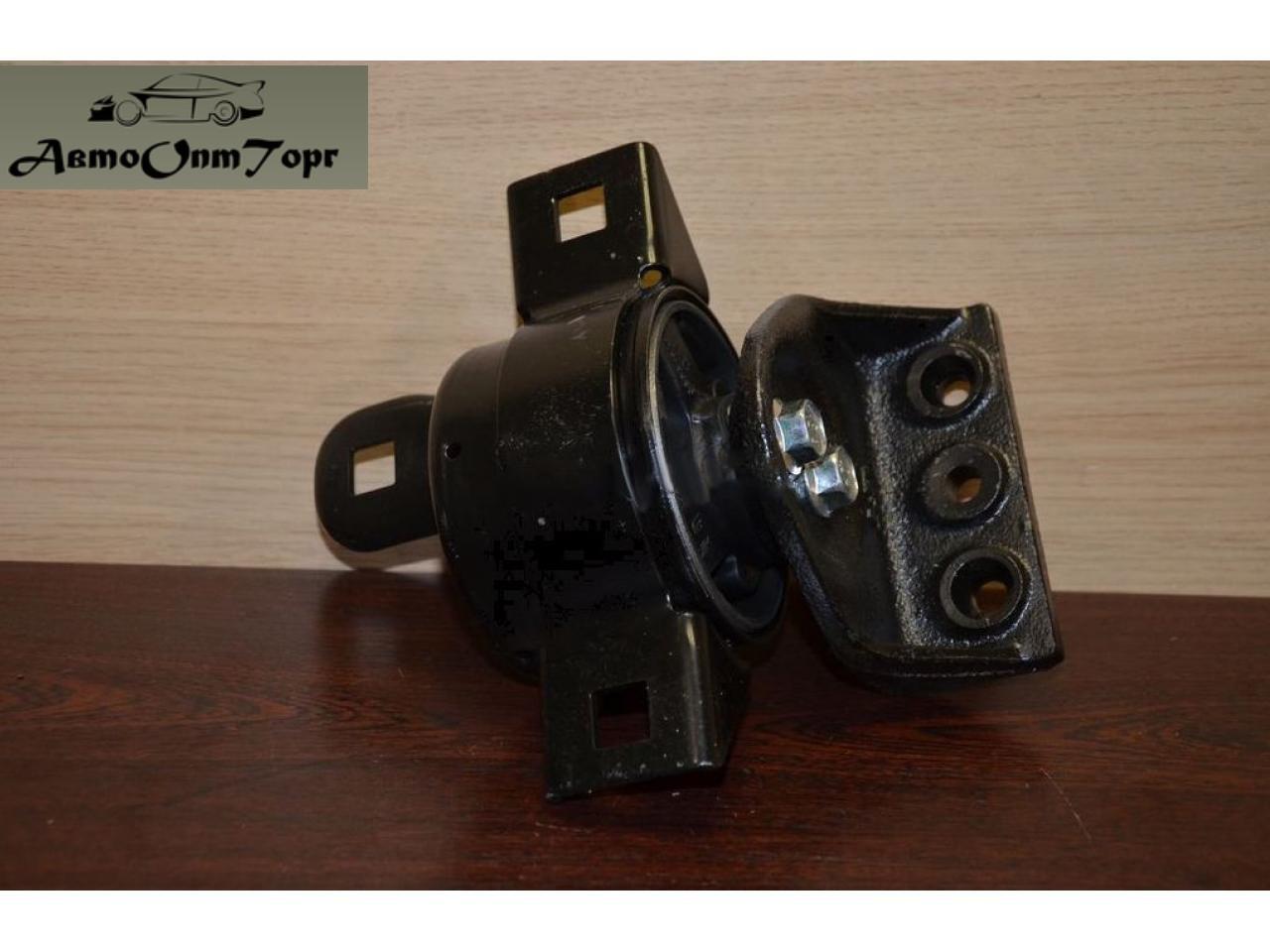 Подушка двигателя правая на Chevrolet Aveo 1.5 (КПП механика), model: 96535429, произ-во: General Motors (GM), кат. код: 96535429;