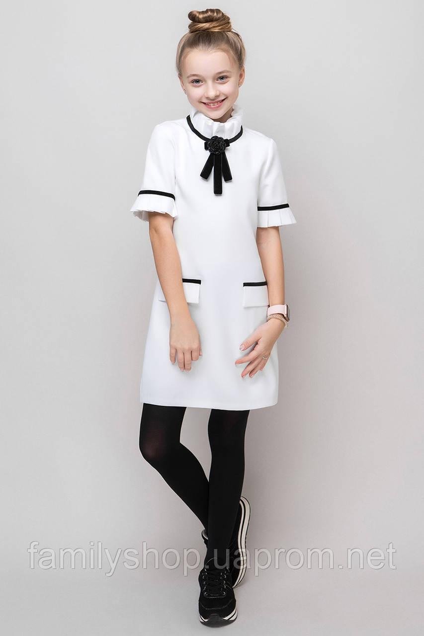 Нарядное  школьное платье белого цвета