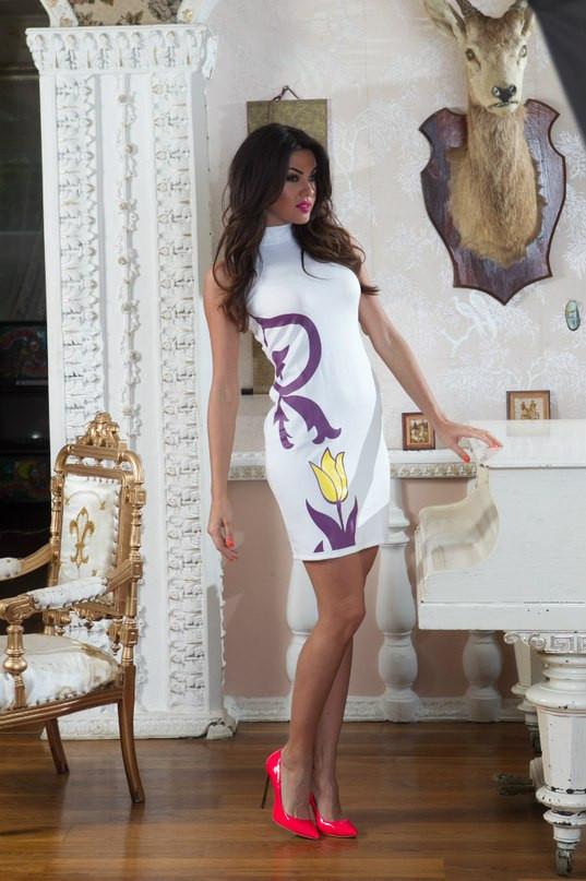 Платье белое с тюльпаном