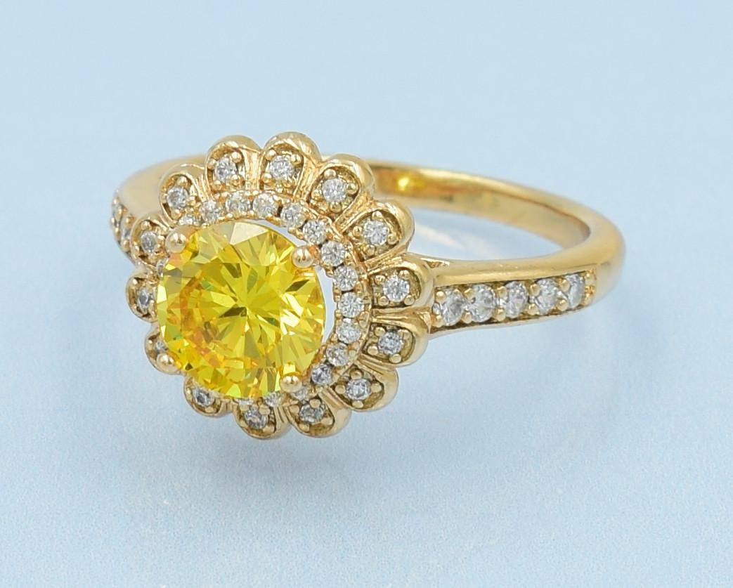 XUPING Кольцо Позолота 18к с желтым и белыми цирконами Размер 16,17,17.5