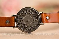 Оригинальные женские часы.