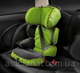 Оригинальное детское автокресло MINI Junior Seat, Group 2/3, Vivid Green Print (82222449302)