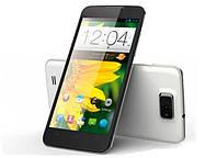 Смартфон - продвинутый и умный телефон, с широкими возможностями.