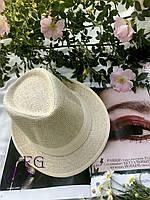 Соломенная шляпка женская, выполнена из золотистой соломки со светлым и темным кантиком